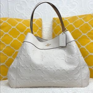 🌸OFFERS?🌸Coach Signature Leather White Purse